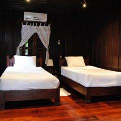 Отель Villa Lao Wooden House комната для гостей фото 5