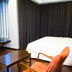 Отель Baan Silom Soi 3 2* Улучшенный номер с разными типами кроватей фото 12