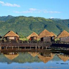Отель Myanmar Treasure Resort Inle 4* Номер Делюкс с различными типами кроватей фото 4