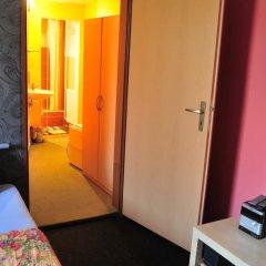 Hostel Alia Стандартный номер с двуспальной кроватью фото 12