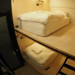 Отель Box Poshtel Phuket Стандартный номер с 2 отдельными кроватями (общая ванная комната) фото 2