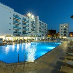 Kapetanios Bay Hotel бассейн