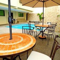 Hotel Marvento Suites бассейн