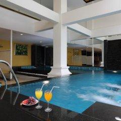 Ansino Bukit Hotel бассейн