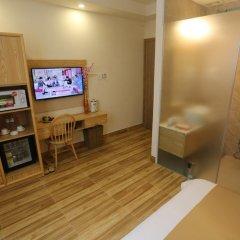 Thuy Sakura Hotel & Serviced Apartment 3* Номер Делюкс с различными типами кроватей фото 3