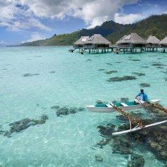 Отель Hilton Moorea Lagoon Resort and Spa 5* Бунгало с различными типами кроватей фото 10