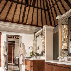 Отель Four Seasons Resort Bali at Jimbaran Bay 5* Вилла Делюкс с различными типами кроватей фото 3