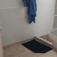 Отель Villa Dora Испания, Кала-эн-Бланес - отзывы, цены и фото номеров - забронировать отель Villa Dora онлайн ванная фото 2