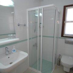 Sayman Sport Hotel Турция, Чешме - отзывы, цены и фото номеров - забронировать отель Sayman Sport Hotel онлайн ванная