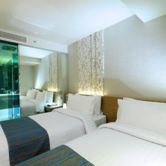 Отель Citrus Sukhumvit 13 by Compass Hospitality 3* Улучшенный номер с различными типами кроватей фото 9