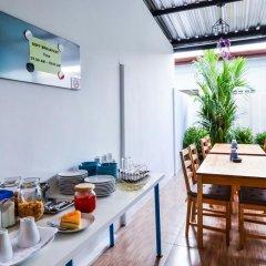 Отель Two Color Patong Номер Делюкс с двуспальной кроватью фото 11