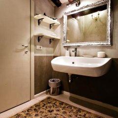 Отель LM Suite Spagna 3* Стандартный номер с двуспальной кроватью фото 39