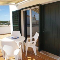Отель Apartamentos Blue Beach Menorca 2 Испания, Кала-эн-Бланес - отзывы, цены и фото номеров - забронировать отель Apartamentos Blue Beach Menorca 2 онлайн балкон