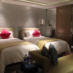 Wongtee V Hotel 5* Улучшенный номер с 2 отдельными кроватями