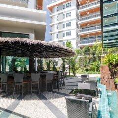 Отель Chalong Miracle Lakeview Condo by TropicLook гостиничный бар