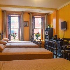 Blue Moon Boutique Hotel 3* Кровать в общем номере с двухъярусной кроватью фото 4