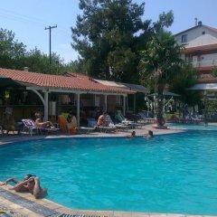 Отель Four Seasons Hotel Греция, Ферми - 1 отзыв об отеле, цены и фото номеров - забронировать отель Four Seasons Hotel онлайн бассейн