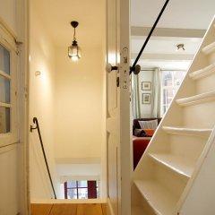 Апартаменты Authentic Jordaan Apartment комната для гостей фото 5