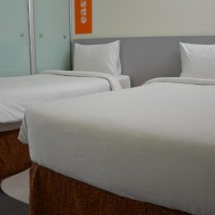 Отель easyHotel Dubai Jebel Ali Стандартный номер с 2 отдельными кроватями фото 10
