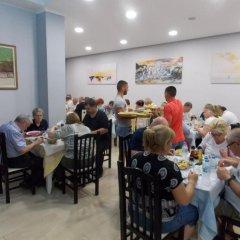 Отель Kompleks Joni Албания, Саранда - отзывы, цены и фото номеров - забронировать отель Kompleks Joni онлайн питание фото 2