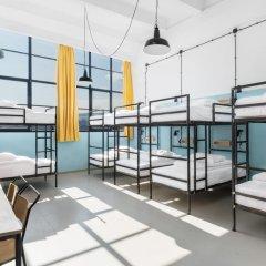 Fabrika Hostel & Suites - Hostel Кровать в общем номере с двухъярусной кроватью фото 9