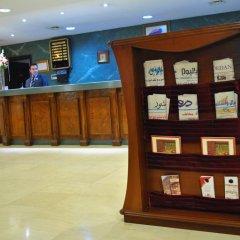 Al Fanar Palace Hotel and Suites интерьер отеля
