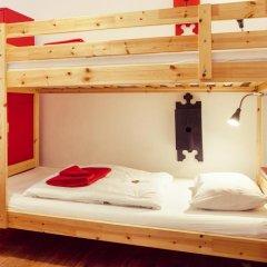 Lisbon Chillout Hostel Кровать в общем номере фото 12