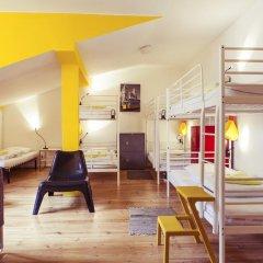 Lisbon Chillout Hostel Кровать в общем номере фото 11