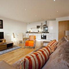 Апартаменты Apple Apartments Greenwich комната для гостей