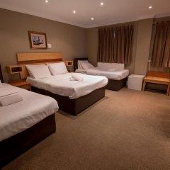 Newham Hotel 2* Стандартный семейный номер с двуспальной кроватью фото 11