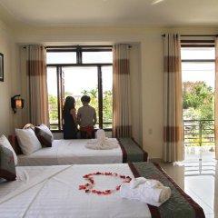 Отель Windy River Homestay 2* Семейный номер Делюкс с двуспальной кроватью фото 5