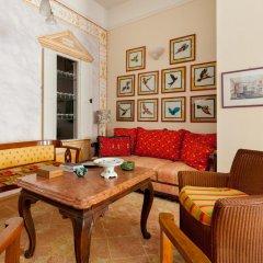Отель Lohikeitto Apartment Венгрия, Будапешт - отзывы, цены и фото номеров - забронировать отель Lohikeitto Apartment онлайн интерьер отеля