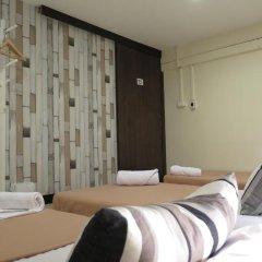 I-Sleep Silom Hostel Номер с общей ванной комнатой с различными типами кроватей (общая ванная комната) фото 5