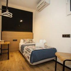 Отель Hostal CC Malasaña Стандартный номер с различными типами кроватей