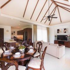 Отель Naya Residence by TROPICLOOK комната для гостей
