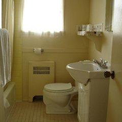 Отель 2400 Motel Канада, Ванкувер - отзывы, цены и фото номеров - забронировать отель 2400 Motel онлайн ванная фото 2