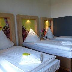 H+ Hotel 4 Youth Berlin Mitte 2* Стандартный номер с различными типами кроватей фото 3