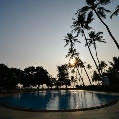 Отель Laya Beach бассейн фото 2