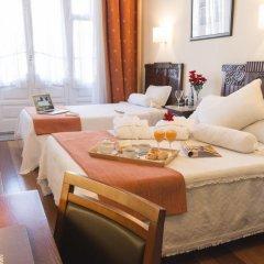 Отель Aliados 3* Номер категории Эконом с двуспальной кроватью фото 11