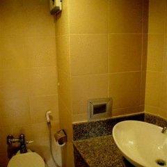 Отель Ratchada Resort and Spa Hotel Таиланд, Бангкок - отзывы, цены и фото номеров - забронировать отель Ratchada Resort and Spa Hotel онлайн ванная