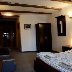 Отель Academus - Cafe/Pub & Guest House 3* Номер Эконом с разными типами кроватей фото 4
