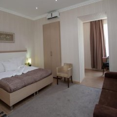 Отель Rustaveli Palace Стандартный семейный номер с двуспальной кроватью фото 26