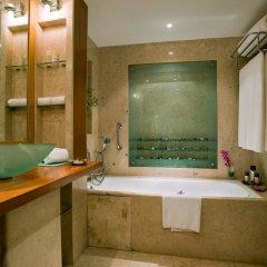 Отель The LaLiT Mumbai 5* Номер Делюкс с различными типами кроватей