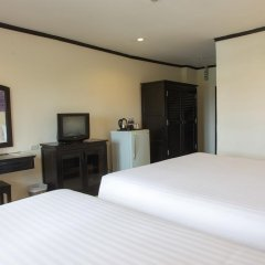Отель Golden Tulip Essential Pattaya 4* Улучшенный номер с различными типами кроватей фото 42