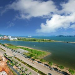 Отель Condotel Ha Long пляж фото 2