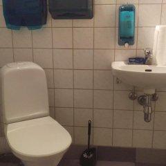 Отель Jakobsoni Hostel Эстония, Таллин - отзывы, цены и фото номеров - забронировать отель Jakobsoni Hostel онлайн ванная