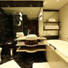 Отель Taj Palace, New Delhi 5* Люкс Taj Club с различными типами кроватей фото 7