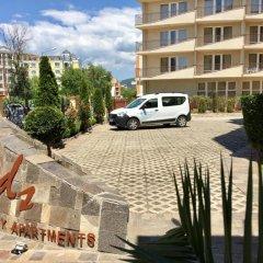 Отель Complex Sands Holiday Apartments Болгария, Солнечный берег - отзывы, цены и фото номеров - забронировать отель Complex Sands Holiday Apartments онлайн парковка