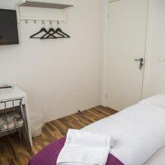 Отель The Capital-Inn Кровать в общем номере с двухъярусной кроватью фото 8