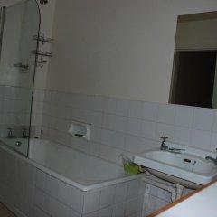 Отель Courtyard Lodging ванная
